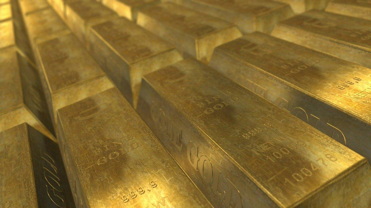 Колко добив на злато е направен в света през тази година (в тонове злато)