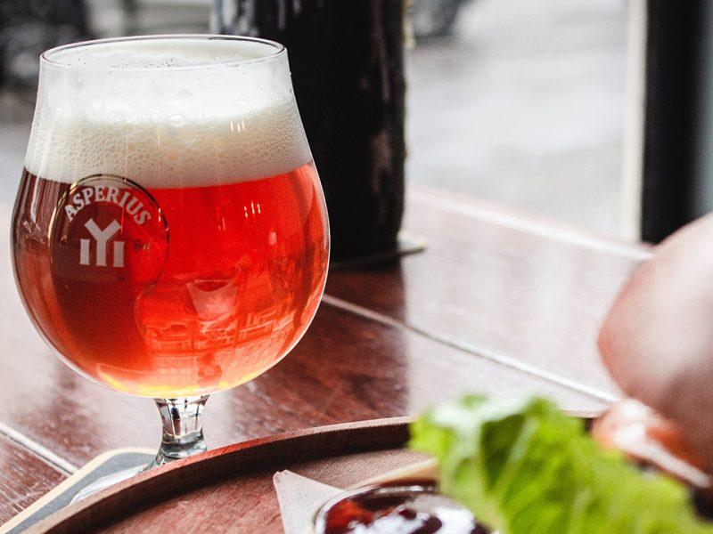Колко мехурчета има в чаша бира?